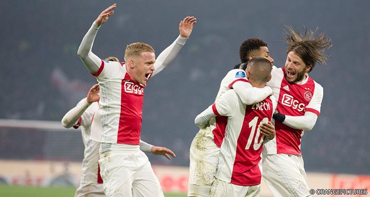Ajax Goal thuis Van de Beek, Schöne, Neres